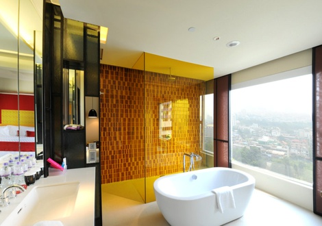 Multi-cultured eastern bathroom - Mode Sathorn Hotel - Bangkok
